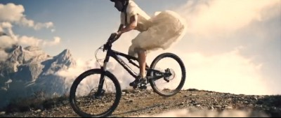 Novia a en Mountain Bike