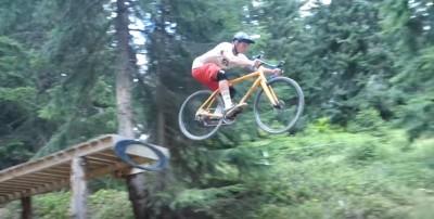 Haciendo DH con una Cyclocross en Bike Park Morzine