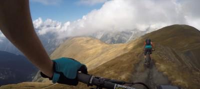 Nate Hills - Montando en los Alpes Italianos